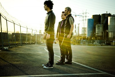 green-day-21st-century-breakdown-official-photoshoot-green-day-5516409-700-4672.jpg